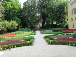 miniatura giardino cigole