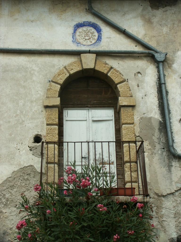 Feiffer e raimondi corte ravagnani guarienti feiffer for Antica finestra a tre aperture